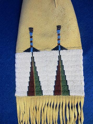 image-7043410-Tobacco Bag Kiowa zoom.JPG